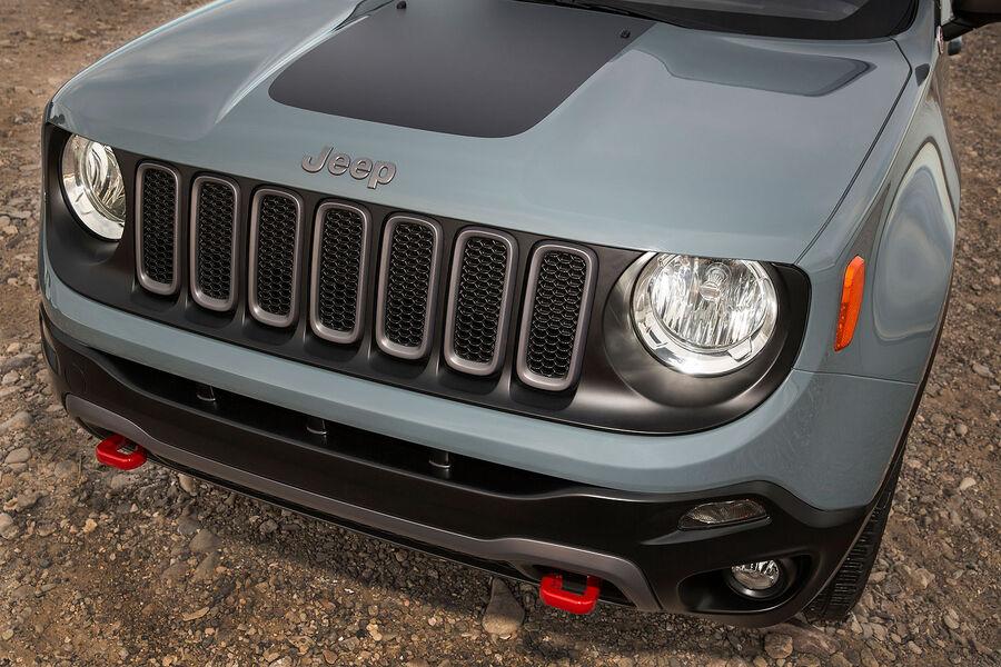 2014 - [Jeep] Renegade - Page 7 02-2014-Jeep-Renegade-Trailhawk-fotoshowBigImage-d1f598c1-757637