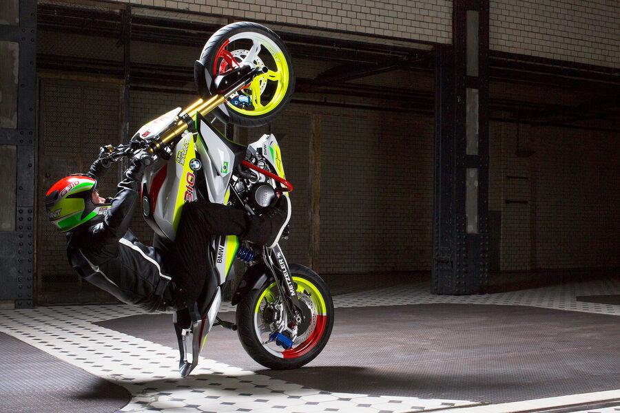... der EICMA: Elektro-Superbike und Basis-Single - AUTO MOTOR UND SPORT