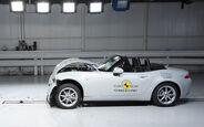10/2015 EuroNCAP Crashtest Mazda MX-5.