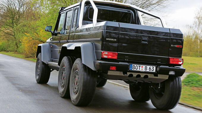 Brabus 700 6x6, Rear view