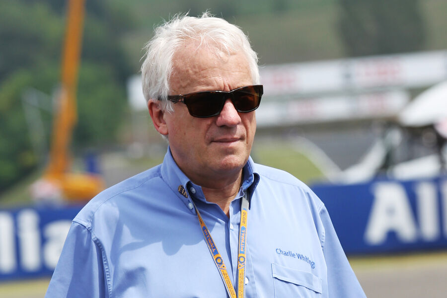 http://img1.auto-motor-und-sport.de/Charlie-Whiting-FIA-Formel-1-GP-Ungarn-Budapest-26-Juli-2012-fotoshowBigImage-d4b3e9b4-615998.jpg