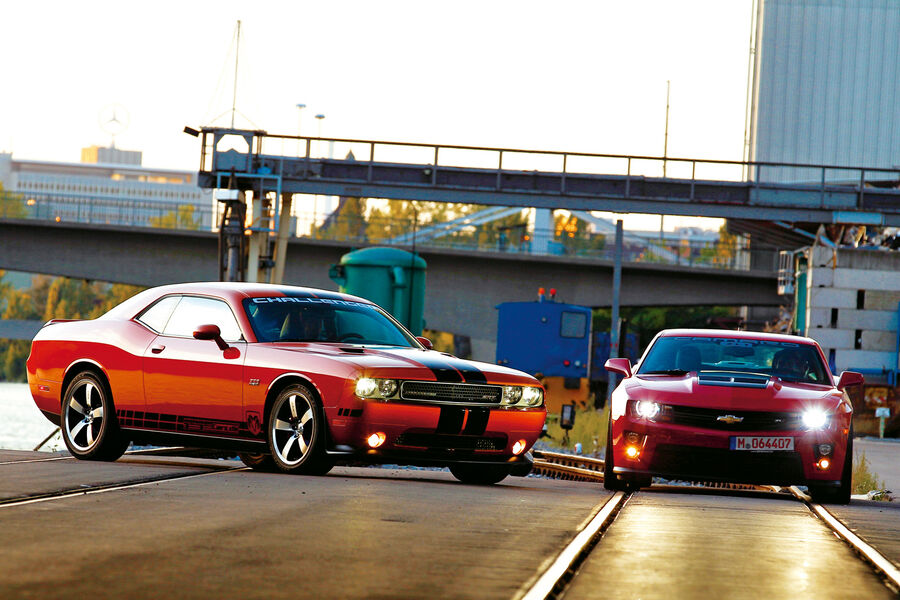 Chevrolet Camaro Zl1 Vs Dodge Challenger Srt8 392 Us Car