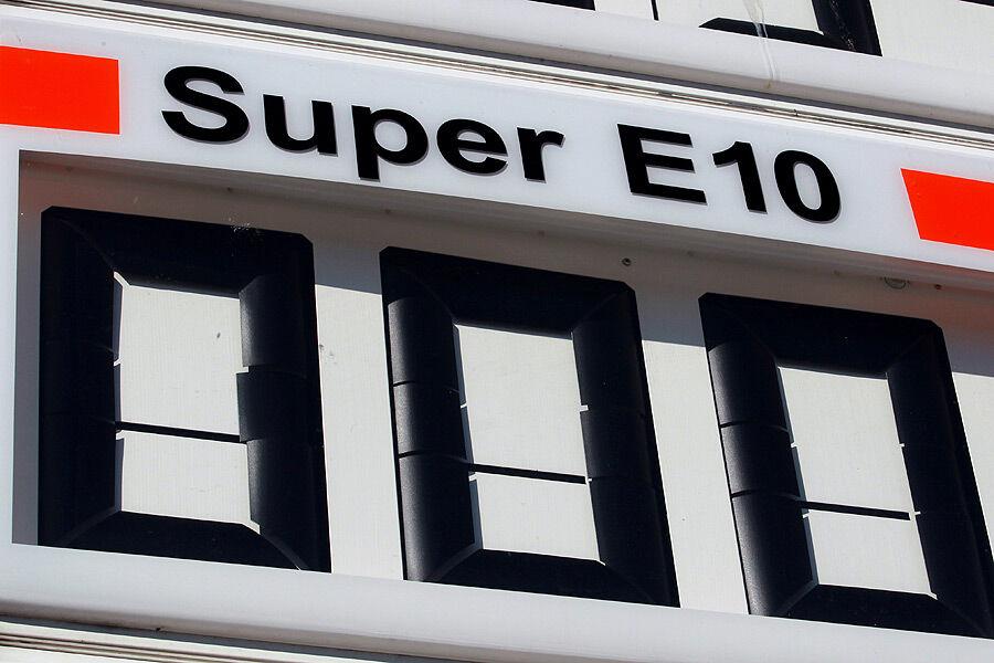 Das Programm der Berücksichtigung der Kosten auf das Benzin