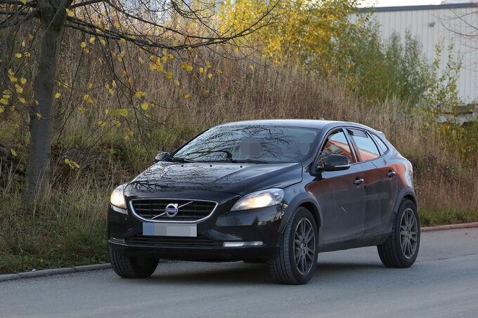 Erlkoenig-Volvo-XC40-fotoshowImage-9a086d69-904905