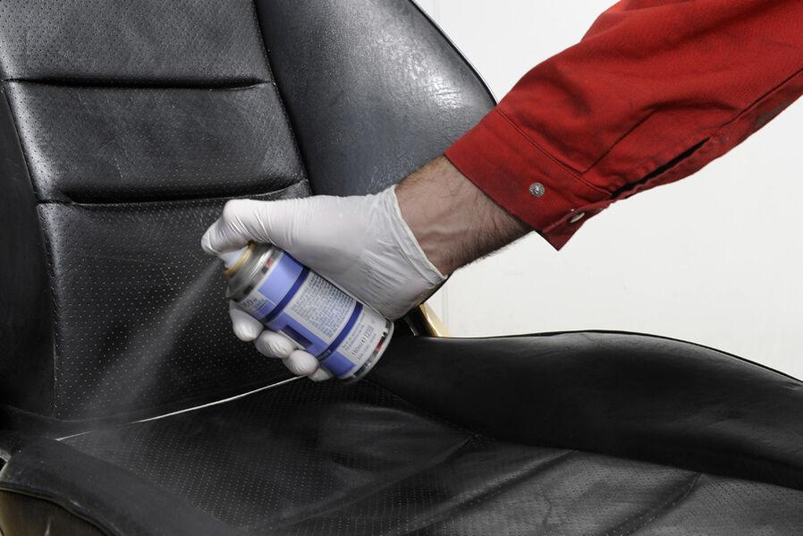 pflege innenausstattung f rben von leder und kunststoffteilen auto motor und sport. Black Bedroom Furniture Sets. Home Design Ideas