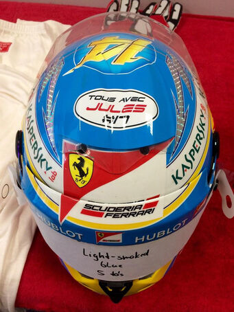Fernando-Alonso-Helm-Jules-Bianchi-GP-Russland-2014-fotoshowImage-48b69cd3-816593.jpg