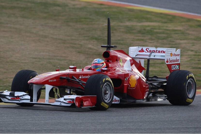 Los equipos estudian el regreso de los test durante la temporada Formel-1-Test-Valencia-2011-f830x554-F4F4F2-C-d6960ada-448539