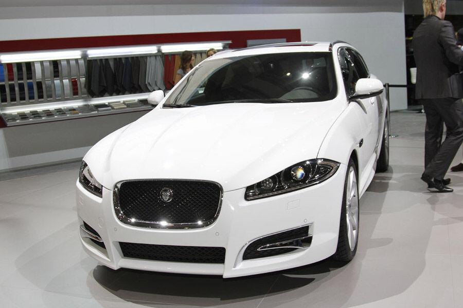 jaguar xf sportbrake auf dem autosalon genf neuer katzen kombi auto motor und sport. Black Bedroom Furniture Sets. Home Design Ideas