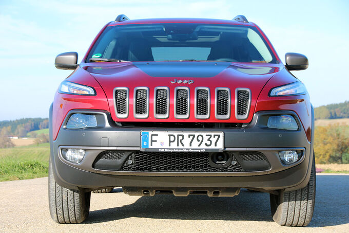Jeep Cherokee 3.2 V6 Pentastar Trailhawk undergoes the individual test