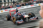 Erster F1-Crash für Verstappen