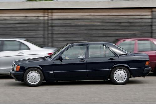 Mercedes-190-D-BlueEfficiency-f498x333-F4F4F2-C-4f7c637b-262560.jpg