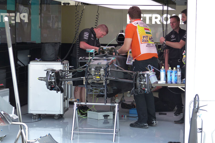 [Imagen: Mercedes-GP-Ungarn-Budapest-Donnerstag-2...884494.jpg]