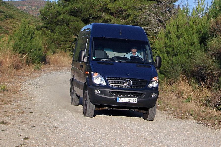 Mercedes sprinter 316 cdi 4x4 test offroad daimler in xxl auto