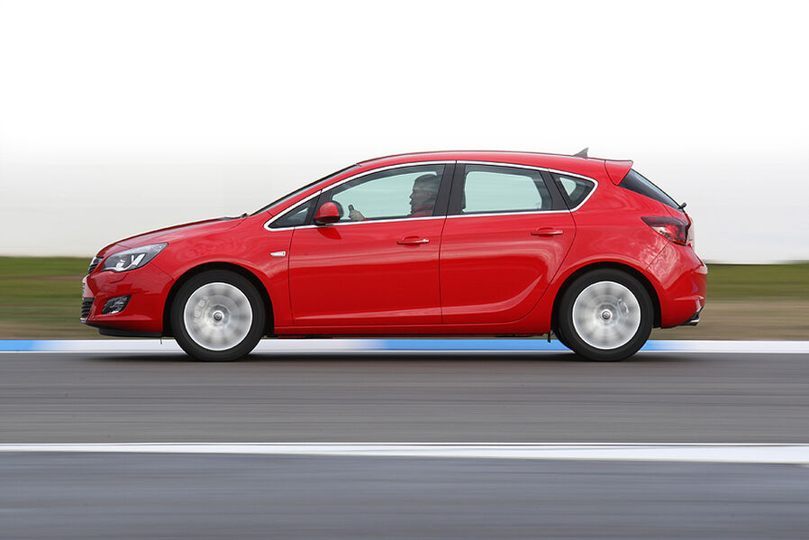 Opel Astra 1.6 Turbo (Bildergalerie, Bild 2) - AUTO MOTOR UND SPORT
