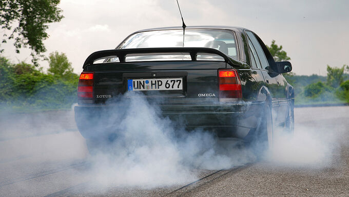 Opel Lotus Omega moit durchdrehenden Reifen