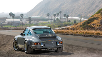 Porsche 911 by Singer Vehicle Design, Heckansicht