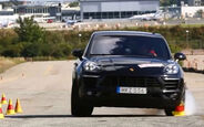 Porsche Macan Elchtest Screenshot