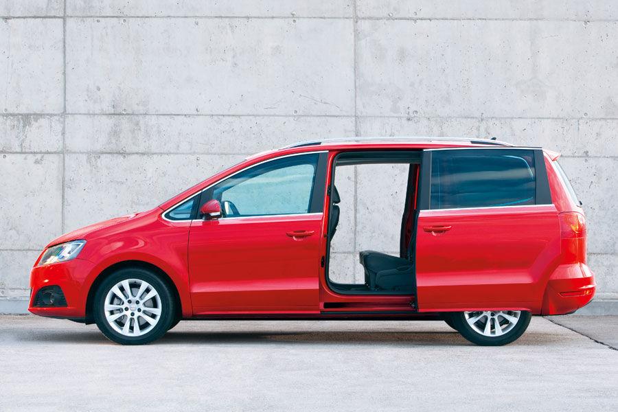 seat alhambra im fahrbericht unterwegs im neuen familien van auto motor und sport. Black Bedroom Furniture Sets. Home Design Ideas