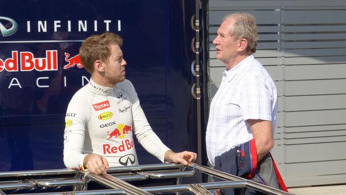 Sebastian Vettel  Helmut Marko - Red Bull - Formel 1 - Test - Bahrain - 19. Februar 2014