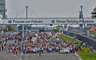 Startaufstellung - VLN Nürburgring - 6. Lauf - 2. August 2014