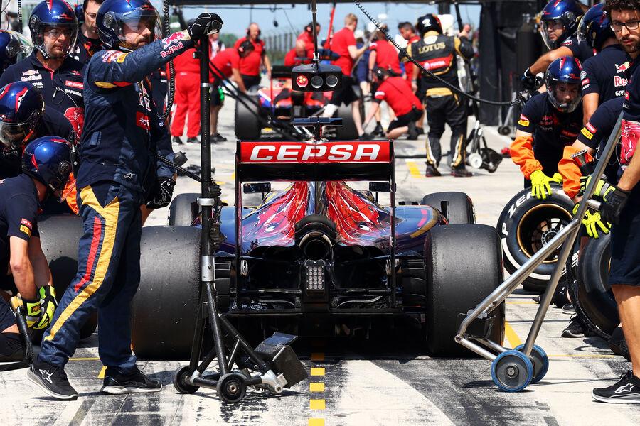 [Imagen: Toro-Rosso-GP-Ungarn-Budapest-Freitag-24...884874.jpg]