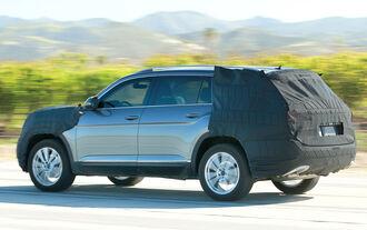 VW Crossblue SUV Tiguan XL Erlkönig