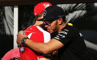 Vettel Hamilton - GP Bahrain 2015